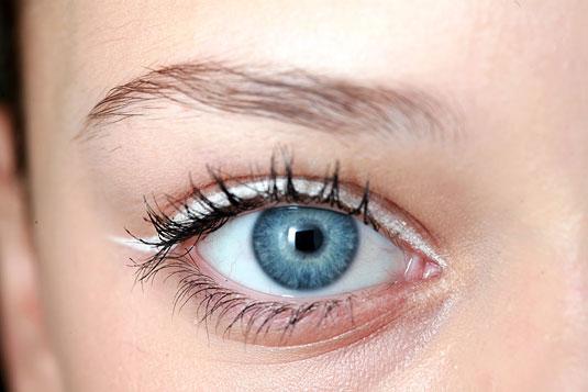 white-eyeliner-de